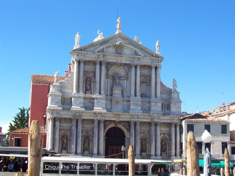 La Iglesia de Santa María de Nazareth o Iglesia de los Descalzos (Chiesa di Santa Maria di Nazareth o Chiesa degli Scalzi)